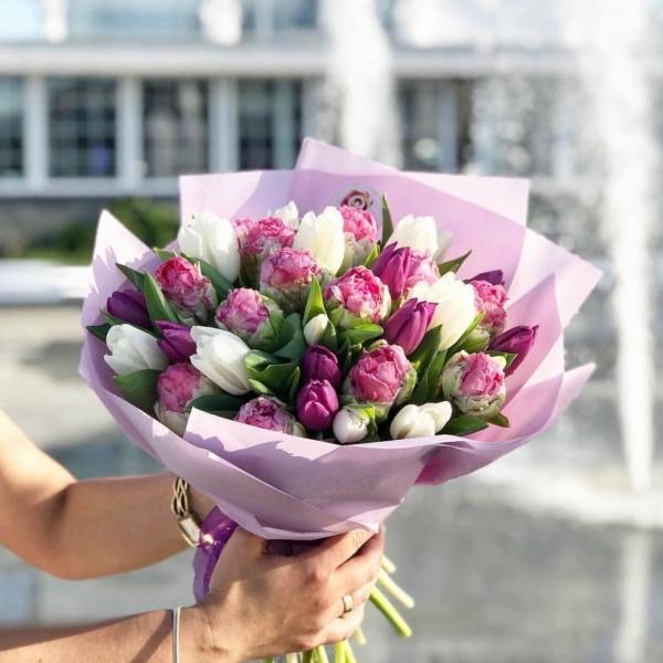 Букет тюльпанов «Яркие красоты» — купить по цене 1240 грн, артикул 2550 с  доставкой по Одессе